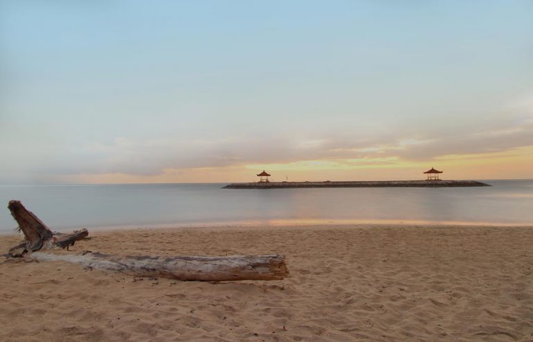 sunrise sanur beach
