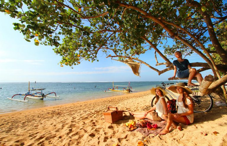 sanur beach activities - nesa sanur