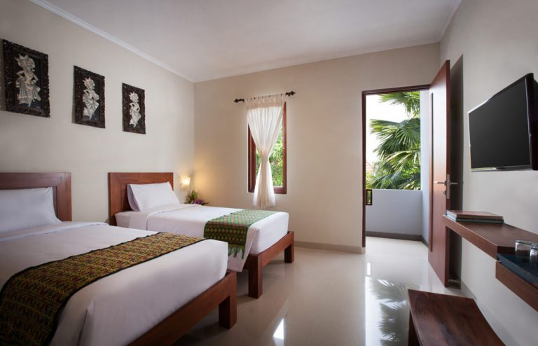 twin bedroom of nesa sanur