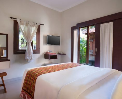 master bedroom balinese bungalow of nesa sanur